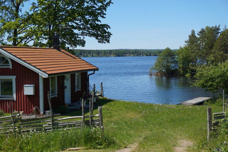 cottage-1689224_1280-768x512